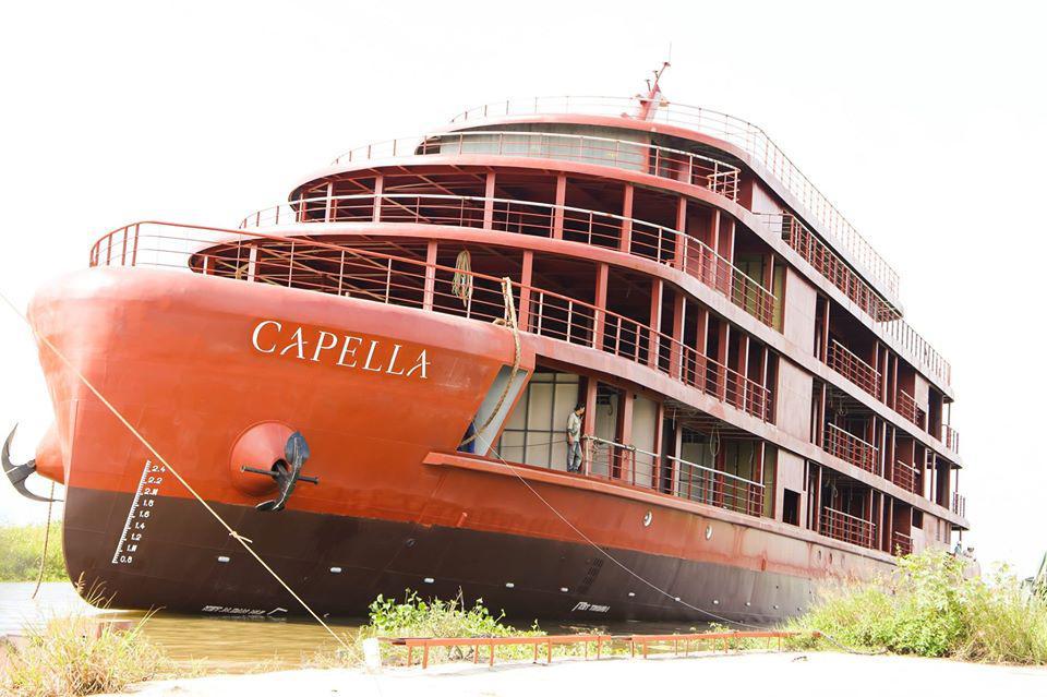 Lễ hạ thủy du thuyền đẳng cấp 5 sao Capella