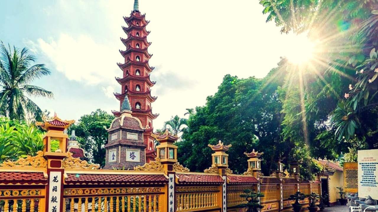 Những địa điểm lễ chùa đầu năm cầu may tại Hà Nội