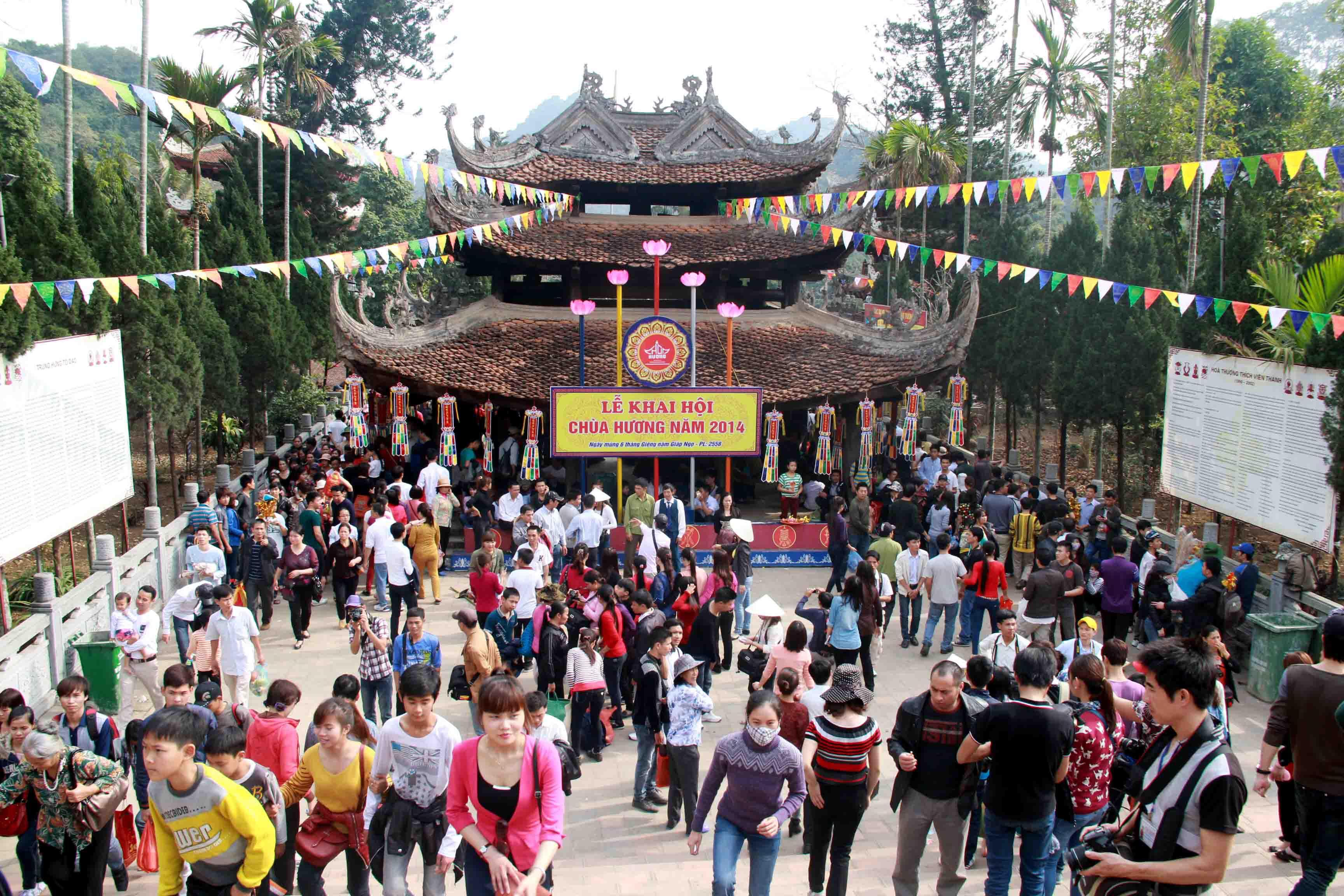 Tour Chùa Hương 1 ngày